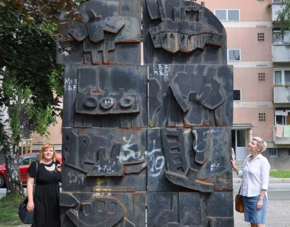 Raising public awareness of outdoor sculpture preservation issues through an exhibition and a documentary